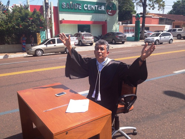 Juiz discursou sobre os escândalos políticos no Amapá e no Brasil (Foto: Cassio Albuquerque/G1)