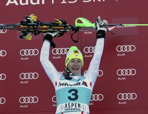 A austríaca Kathrin Zettel comemora vitória no slalom em Aspen (Foto: Getty Images)