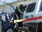 Viatura da Polícia Militar cai em lago (Corpo de Bombeiros )