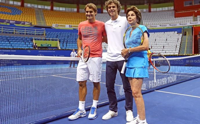 Federer Guga e Maria Esther Bueno tênis (Foto: Ernesto Rodrigues / Ag. Estado)