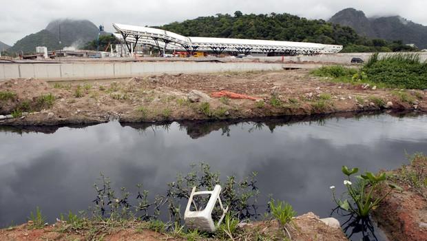 Vista da estação de BRT do Parque Olímpico,na Barra.As Forças Armadas alertam que há muito mosquito na área (Foto: Felipe Varanda/ÉPOCA)