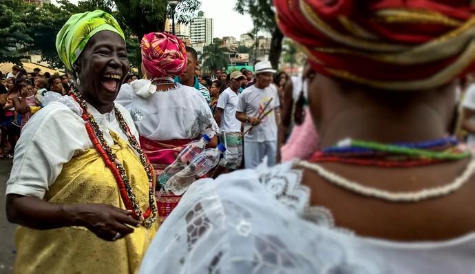 Baianas: a mesma alegria que exibem diante de seus tabuleiros (Foto: Div./Luiz Hohenfeld)