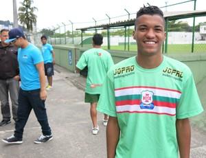 Felipe, zagueiro do sub-20 da Portuguesa Santista (Foto: Antonio Marcos)