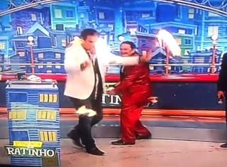 Luis Ricardo pega fogo no Ratinho (Foto: Reprodução / Youtube)