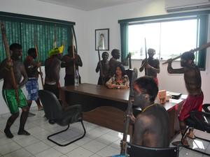 Indígenas invadiram o prédio da da Secretaria Especial de Saúde Indígena (Sesai), em Boa Vista (Foto: Emily Costa/G1)