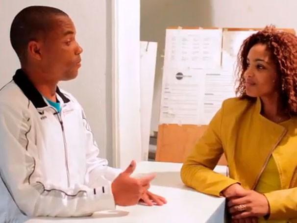 André Ferreira conversa com Eva Paula durante gravação do vídeo para o Conexão Criança Esperança (Foto: Reprodução de Vídeo)