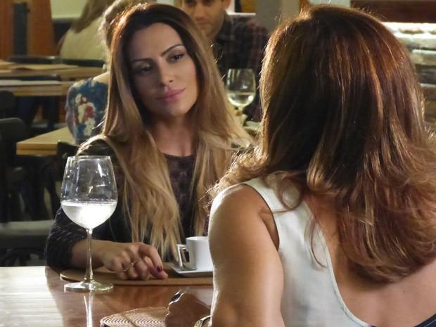 Bianca conversa com Maitê sobre Zyah (Foto: Salve Jorge/ TV Globo)