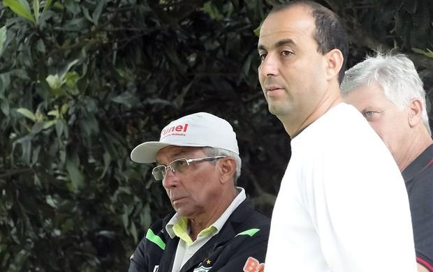 Givanildo Oliveira e Jair Albano, América-MG (Foto: Lucas Catta Prêta)