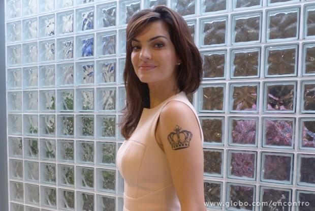 Mayana Neiva é contra a ditadura da beleza (Foto: Encontro com Fátima Bernardes/ TV Globo)
