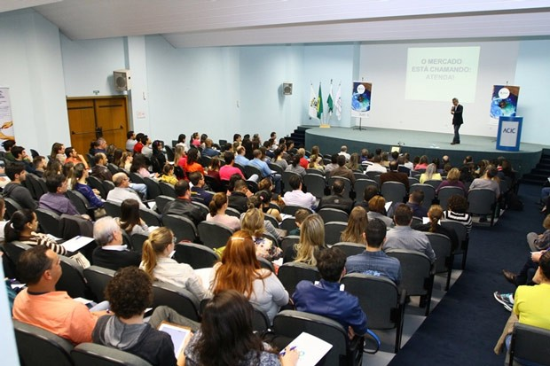 Ação buscou contribuir para a capacitação e desenvolvimento do mercado locaL (Foto: Divulgação/RPC TV)