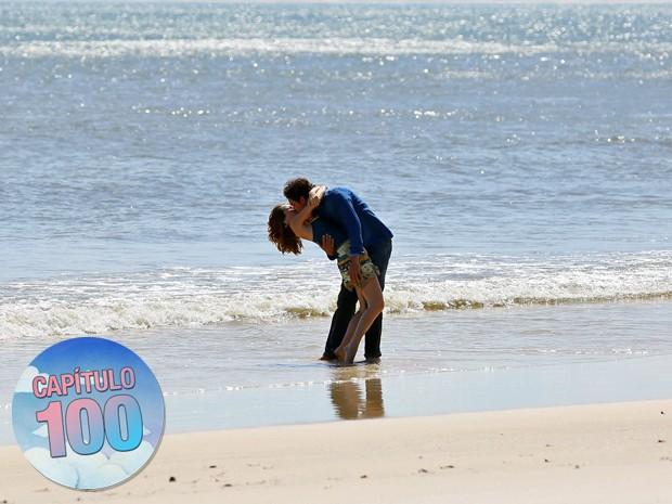 O casal vai viver momentos de muito romance nos próximos capítulos (Foto: Isabella Pinheiro/ Gshow)