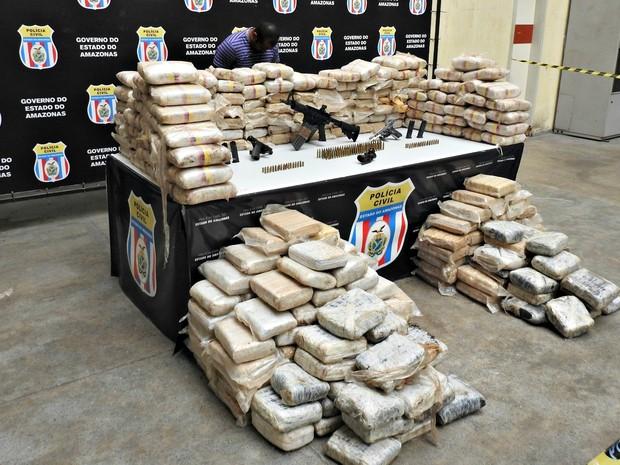 Operador de máquina é suspeito de fazer o transporte de droga (Foto: Adneison Severiano/G1 AM)