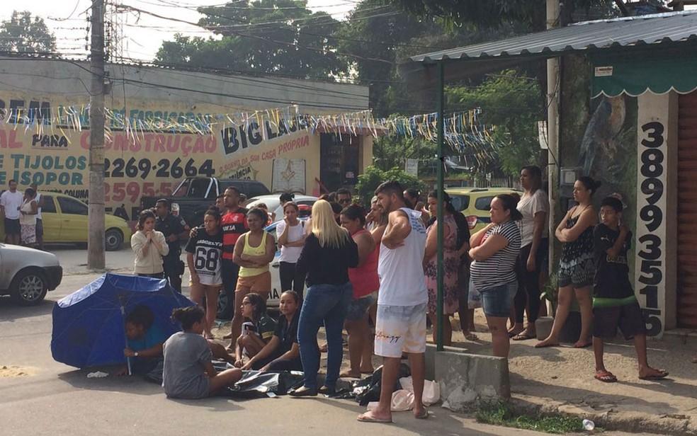 Menino de 15 anos foi baleado em tentativa de assalto (Foto: Fernanda Rouvenat / G1)