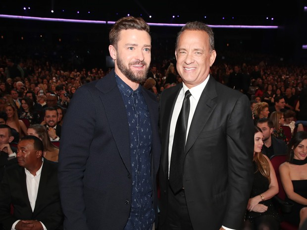 Justin Timberlake e Tom Hanks em prêmio em Los Angeles, nos Estados Unidos (Foto: Christopher Polk/ Getty Images/ AFP)
