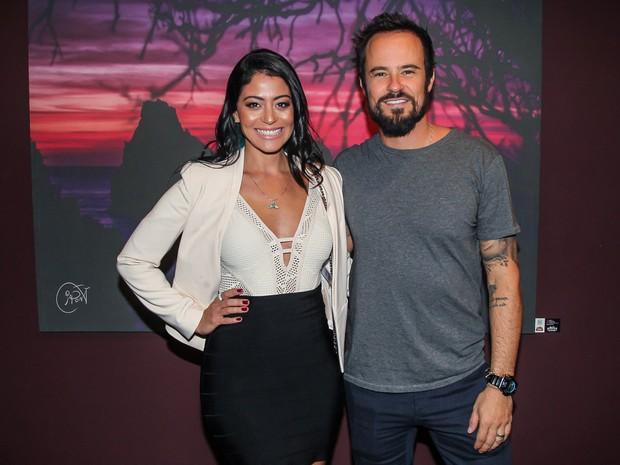 Carol Castro e Paulo Vilhena em inauguração de exposição em São Paulo (Foto: Manuela Scarpa/ Brazil News)