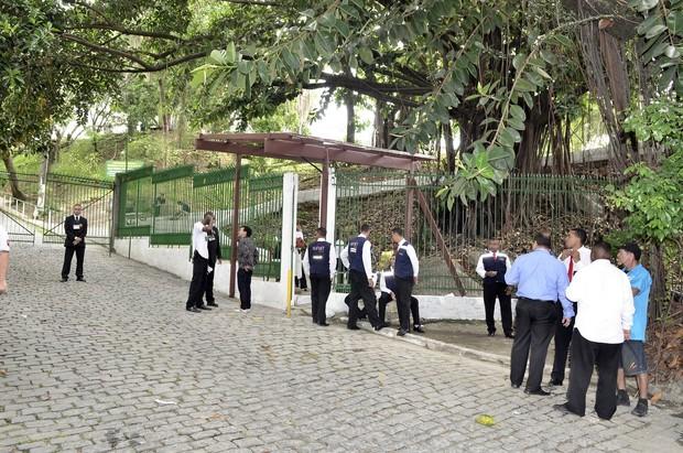 Entrada da igreja do casamento da Sophie Charlotte e Daniel Oliveira (Foto: Roberto Teixeira / ego)