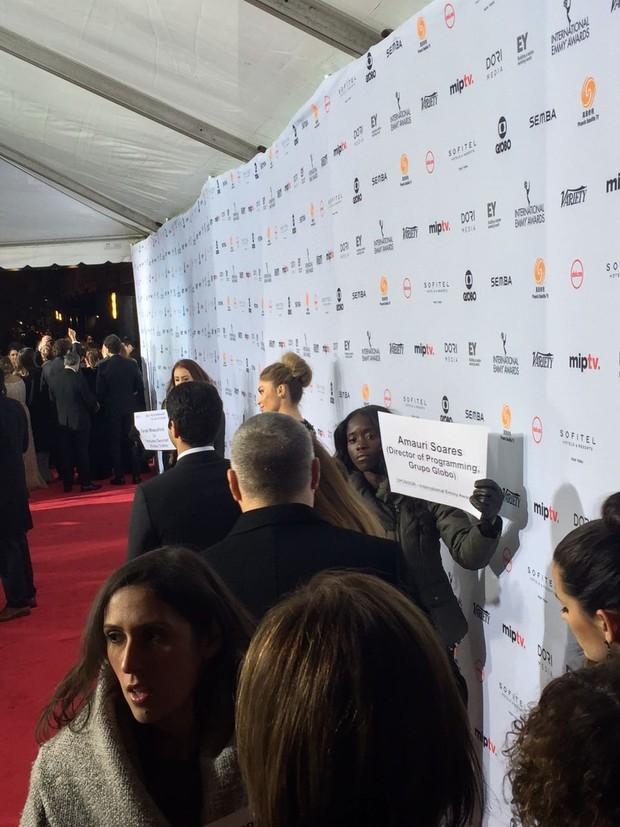 Grazi Massafera vai ao Emmy Internacional 2016 (Foto: Reprodução do Instagram)