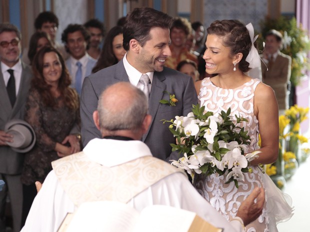 Cassiano e Ester se casam! (Foto: Vila dos Ventos / TV Globo)
