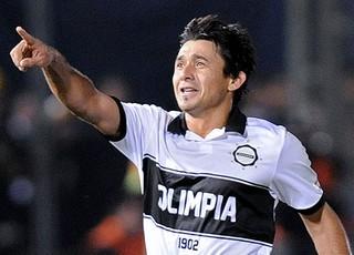 Eduardo Aranda jogador do Olímpia (Foto: AFP)