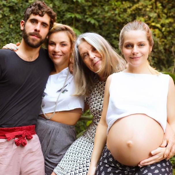 Vitória Frate com a mãe, Diléa Frate, e sua família  (Foto: Reprodução Instagram)