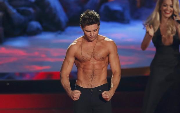 Zac Efron no MTV Movie Awards em Los Angeles, nos Estados Unidos (Foto: Lucy Nicholson/ Reuters)