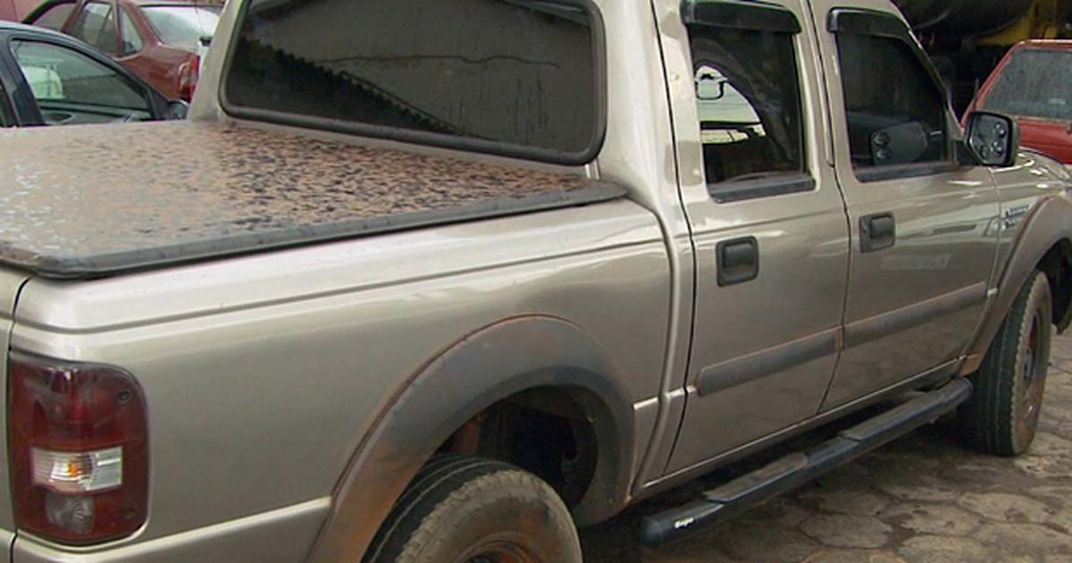'Apontaram arma', diz vítima de bando que explodiu caixas em MG - Globo.com