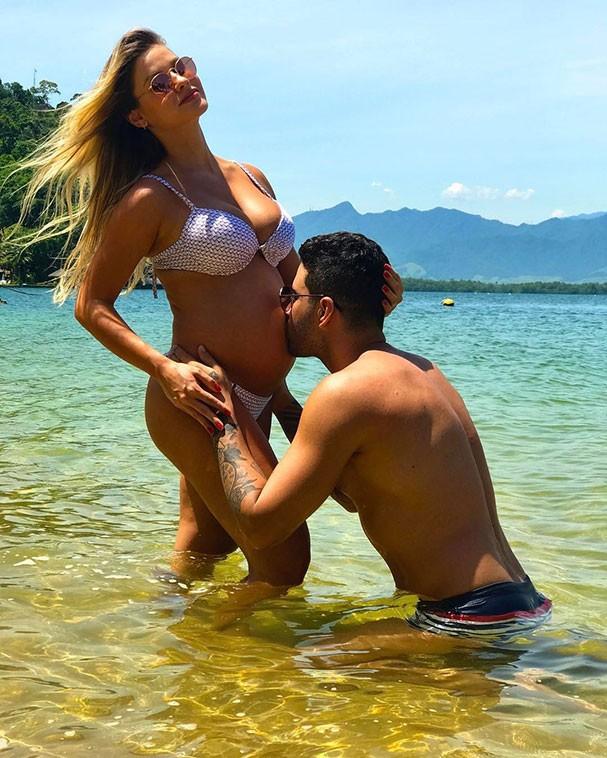 Gusttavo Lima homenageria a mulher com foto linda em Angra dos Reis (Foto: Reprodução/Instagram)