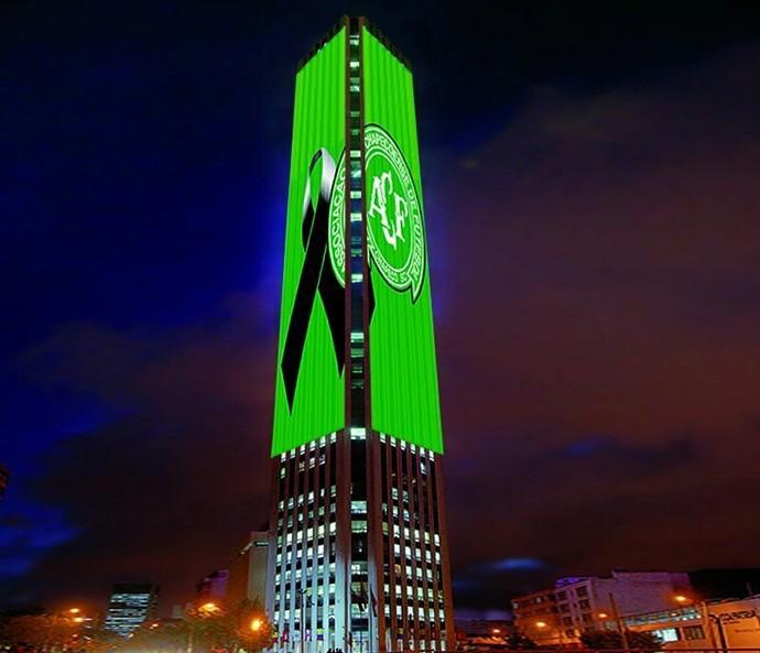 Torre Colpatria de Bogotá faz homenagem (Foto: Reprodução/Twitter)