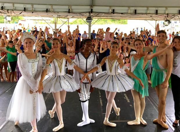 Escola do Teatro Bolshoi também se apresentou no evento  (Foto: RBS TV/Divulgação)