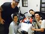 Adriana Sant'Anna e Rodrigão visitam Joaquim, garoto com doença rara