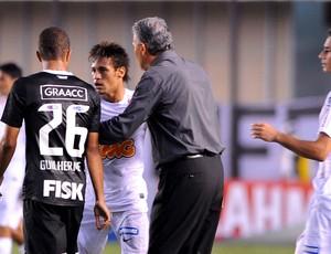 Tite separa briga entre Guilherme Andrade e Neymar (Foto: Marcos Ribolli / Globoesporte.com)