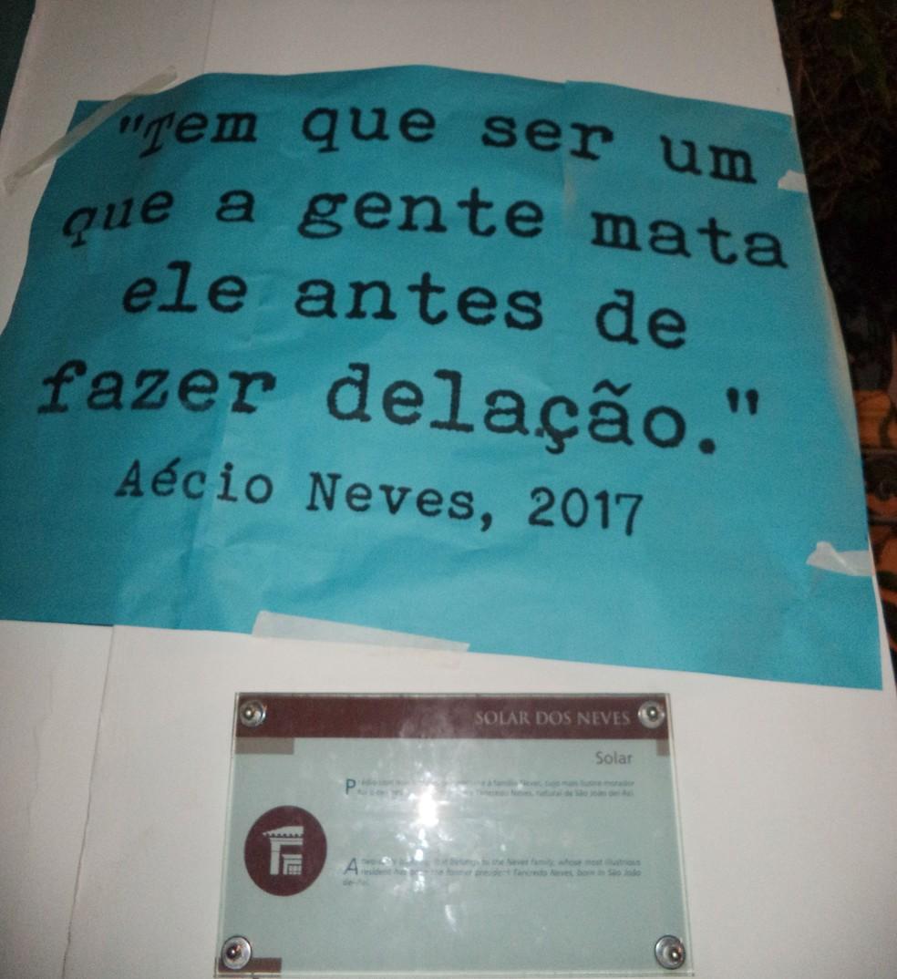 Manifestantes lembraram trecho de delação durante ato em São joão del Rei (Foto: Luciano Nascimento/Arquivo pessoal)