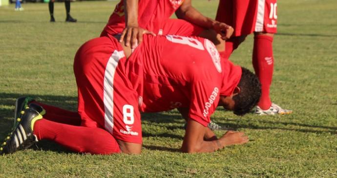 Gordo comemora gol contra o Parnahyba (Foto: Emanuele Madeira/GloboEsporte.com)
