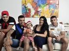 Naldo e Ellen Cardoso mostram decoração natalina em sua casa no Rio