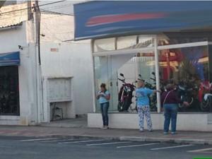 Câmeras de loja flagraram a cotovelada em São Roque (Foto: Ana Carolina Levorato/G1)
