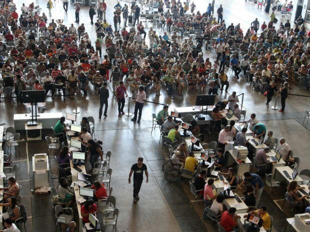 População recebe atendimento do Refis no ano passado (Foto: Toninho Tavares/Agência Brasília)