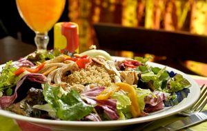 Salada tunisiana com cuscuz marroquino