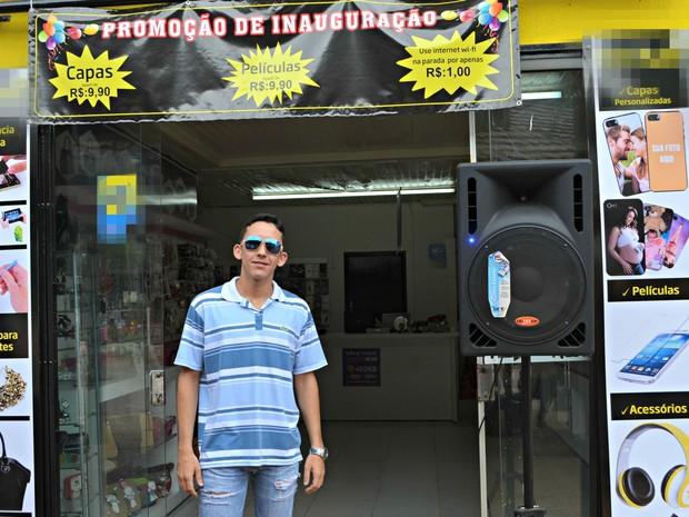 Comerciante aposta na venda de Wi-Fi por R$ 1 para driblar crise (Foto: Iryá Rodrigues/G1)