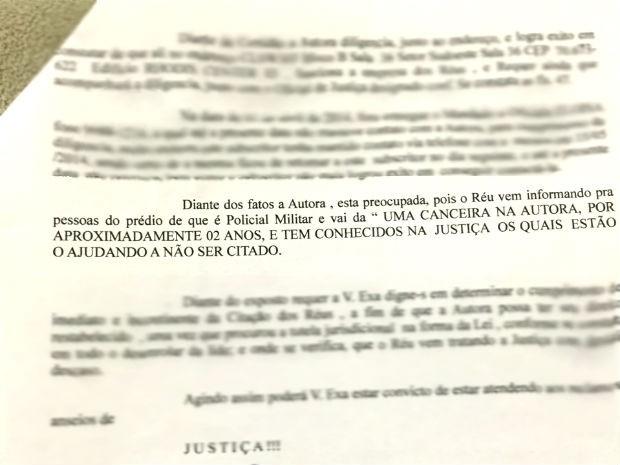 """Trecho de petição de Débora Lemos à Justiça; decorador teria dito que daria """"canseira"""" em noiva (Foto: Reprodução)"""