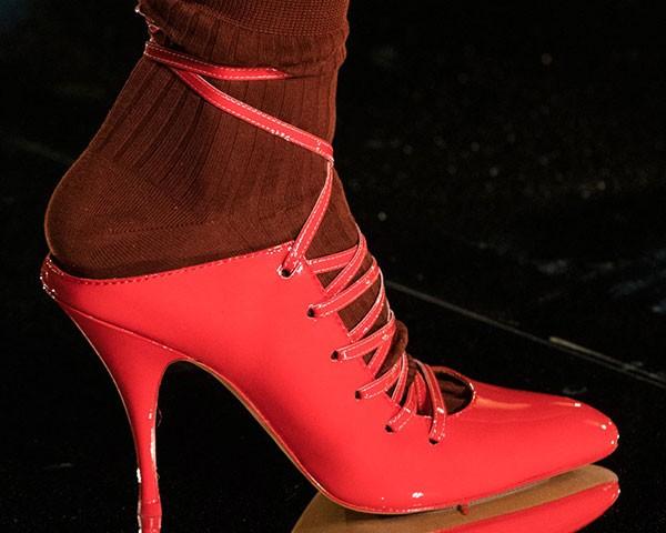 Confira os melhores sapatos da temporada (Foto: Imaxtree)