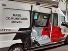 Motociclista sem habilitação bate em base móvel da PM em São José