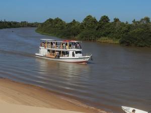 Turistas lotam Ilha Grande, ponto de partida para o Delta do Parnaíba (Foto: Patrícia Andrade/G1)