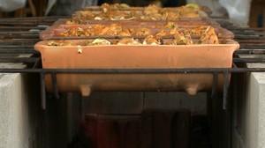 A iguaria foi criada durante uma reunião na qual se pretendia escolher o prato típico da cidade de Umuarama (Foto: Reprodução/ Plug)