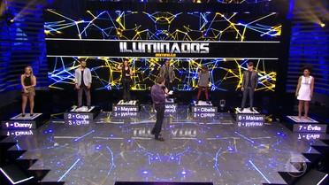 Faustão apresenta jurados e participantes do 'Iluminados'