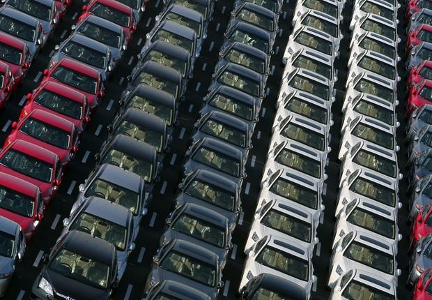 Patio de veículos fábrica de carros automóveis (Foto: Getty Images)