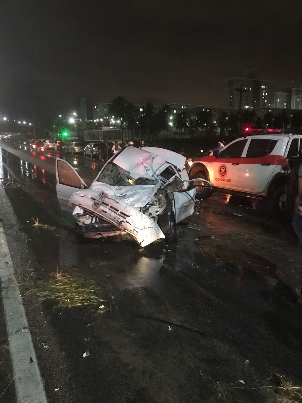 Um grande congestionamento se formou após o acidente (Foto: Divulgação/PRF)
