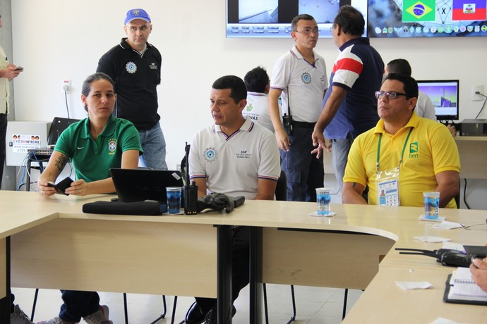 Esquema de segurança Arena Amazônia - Seleção sub-23 (Foto: Matheus Castro)