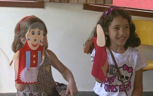 Atividade com fantoches é uma das atrações (Foto: Amazonas TV)