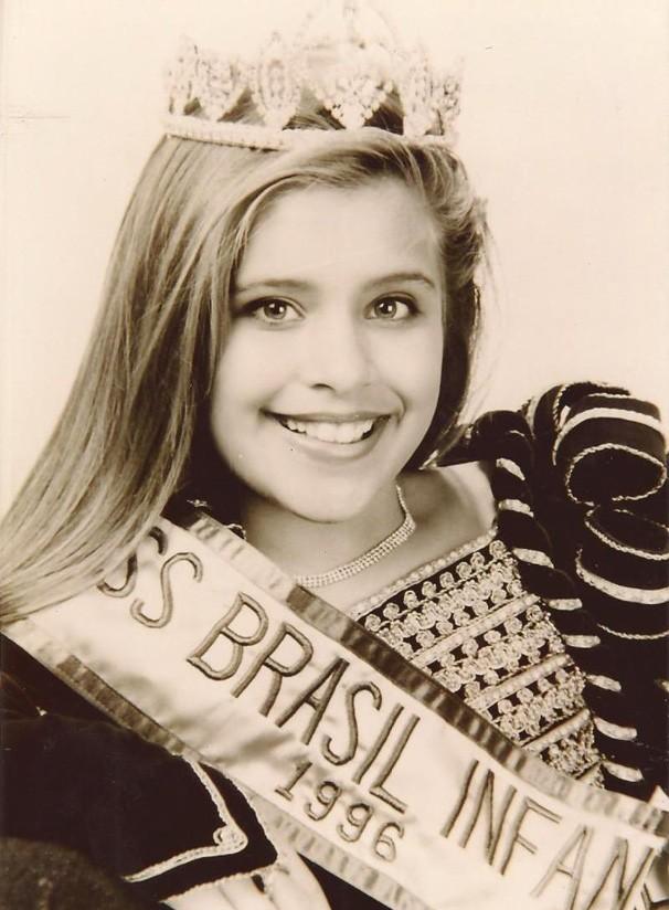 Carla Casarim criança (Foto: Arquivo pessoal)