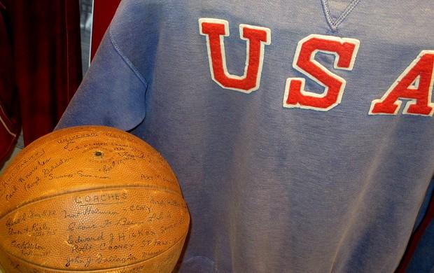 Leilão hall da fama springfield NBA basquete (Foto: Gabriel Fricke)